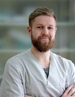 Implantuojantis gydytojas ADAS LATVYS